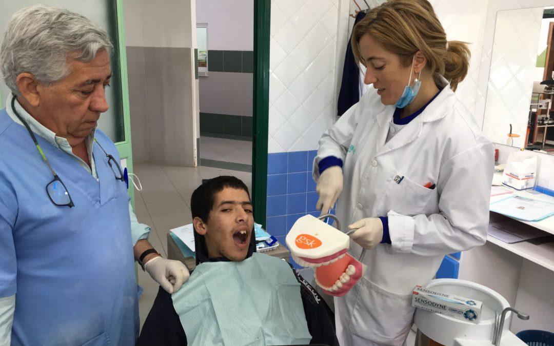 El Consejo General de Dentistas premia el proyecto de Odontología Solidaria en Tetuán